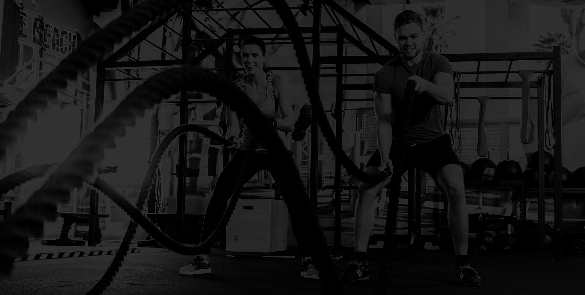 man en vrouw in de fitness ux-cross